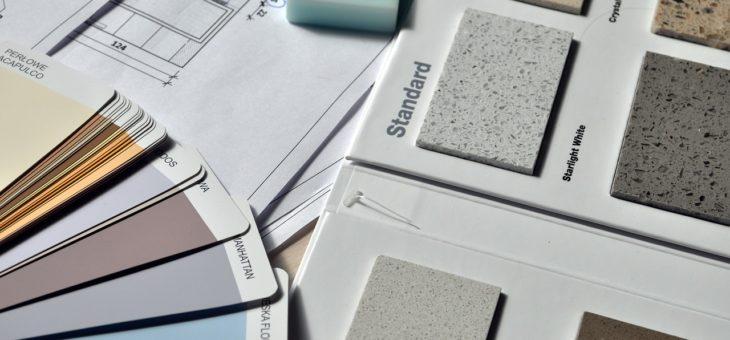 Eric Lasery présente les combinaisons de couleurs du Corbusier