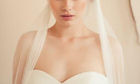 Le Headband, l'accessoire qui sublime toute coiffure de mariage