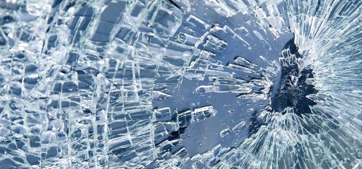 Vitre de fenêtre cassée : que faut-il faire ?