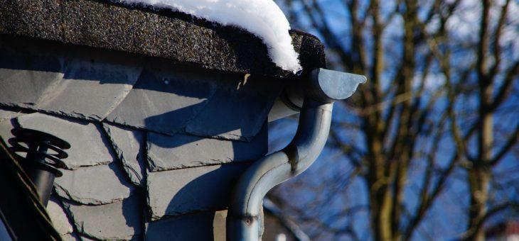 L'entretien des gouttières même en hiver