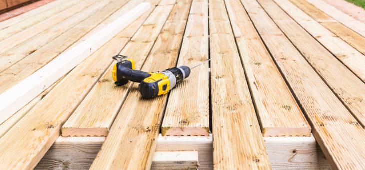 Comment préparer, construire et entretenir une terrasse en bois durable ?
