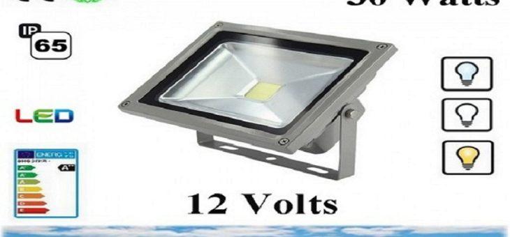 Décorer votre piscine avec un projecteur LED