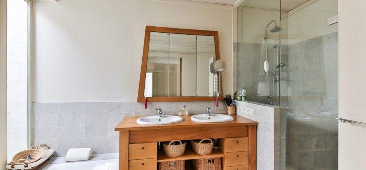 Installer une douche dans la salle de bains : pourquoi opter pour le ciel de pluie ?